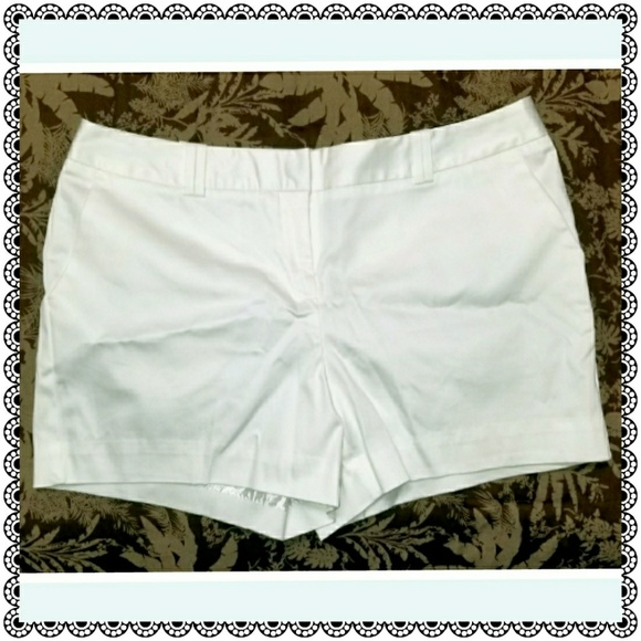 Worthington Pants - {Worthington} Modern Fit white shorts, sz 10P